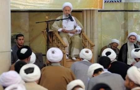 آیت الله مکارم شیرازی: نامزدها تنها بر مسائل اقتصادی تمرکز نکنند به مردم امید ببخشید