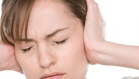 علت کاهش شنوایی پس از شنیدن صدای بلند چیست؟