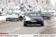 بارشباران و برف در محورهای کوهستانی استان تهران  لغزندگی جادهها و هشدار به رانندگان