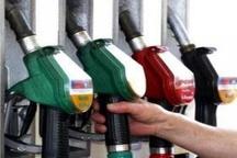 رکورد مصرف بنزین در گیلان شکسته شد   ۱۵۲ هزار خودرو طی ۲۴ ساعت گذشته در استان بنزین زدند