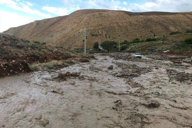 تاکنون به 80 سیلزده روستای تاش شاهرود امدادرسانی شد