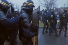 درگیری خشونت بار زندانبانان ناراضی فرانسه با پلیس