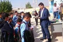 چهار هزارو 500 جلد کتاب بین مدارس آبادان و خرمشهر توزیع شد