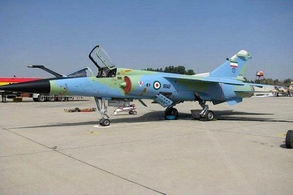 بازآمادگی دو فروند هواپیمای میراژ و اف ۵ در پایگاه چهاردهم شکاری مشهد