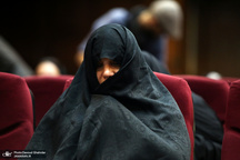 برکناری یک مدیرکل وزارت بهداشت درپی حضور یکی از بستگان شبنم نعمت زاده در این وزارتخانه