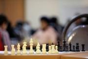 کم بینای قزوینی بر سکوی قهرمانی مسابقات شطرنج کشور ایستاد