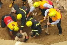 مقنی مدفون زیر آوار چاه در تبریز نجات یافت