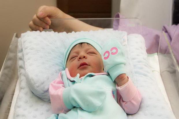 هر هشت و نیم دقیقه یک نوزاد در آذربایجان غربی متولد می شود