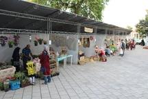 نمایشگاه صنایع دستی و سوغات در شهر ساحلی بندرانزلی برپا شد
