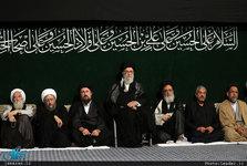 آخرین شب مراسم عزاداری حضرت اباعبدالله الحسین(ع) در حسینیه امام خمینی(ره) برگزار شد