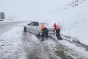 200 خودرو گرفتار در برف خمین امداد رسانی شدند