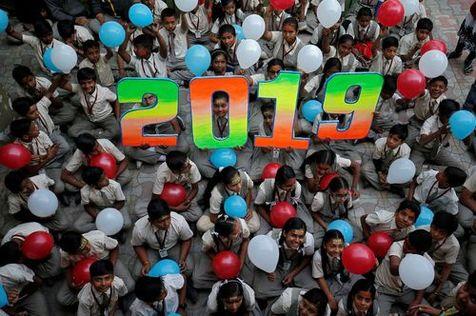 تصاویر جذابی از لحظه آغاز سال نو میلادی در شهرهای مختلف جهان