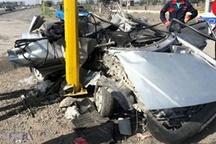 تصادف مرگبار 2 زن اردبیلی پراید سوار با تیر چراغ برق  عکس