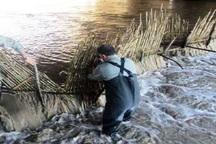 15 سد غیر مجاز ماهیگیری در آستارا تخریب شد