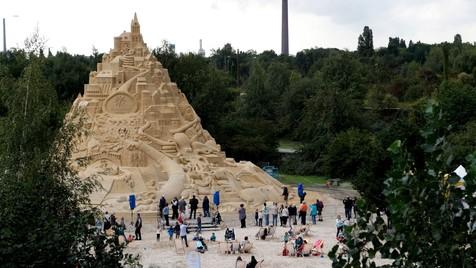 ساخت بلندترین قلعه شنی جهان در آلمان + تصاویر و ویدئو
