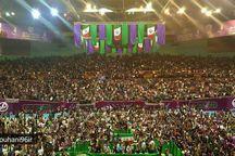 همایش حامیان روحانی در ورزشگاه 12 هزار نفری آزادی + تصاویر