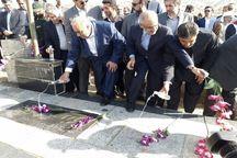 وزیر آموزش و پرورش با شهدای شهرستان ثلاثباباجانی تجدیدبیعت کرد