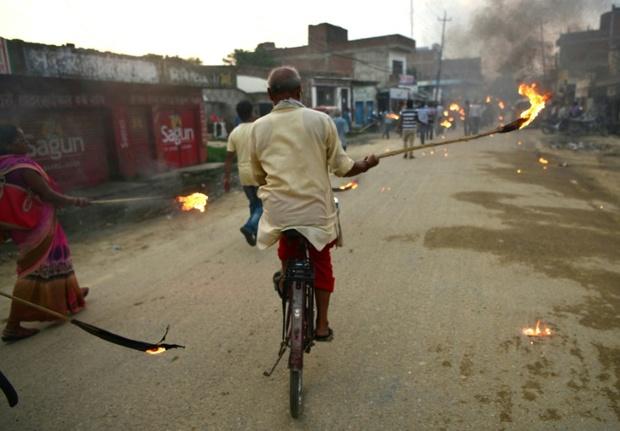 عکس/ تظاهرات با مشعل