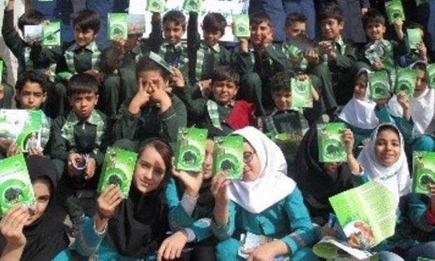 800 دانش آموز بافقی، همیار طبیعت شدند