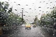 بارش باران جاده های زنجان را فرا گرفت