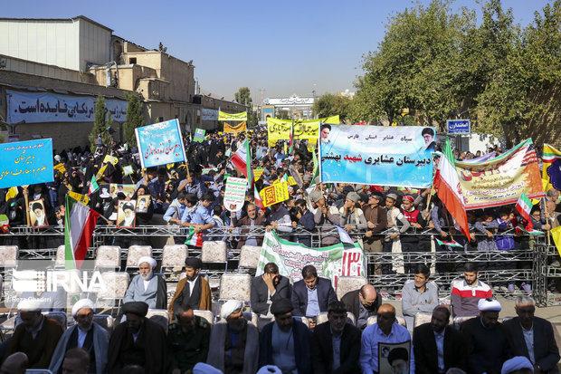 راهپیمایی روز مبارزه با استکبار جهانی در شیراز برگزار شد