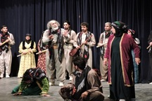 14 نمایش خارجی به جشنواره تئاتر کُردی سقز ارسال شد