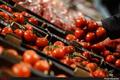 وجود  300 تن گوجه فرنگی مازاد بر تولید در استان فارس  گوجههای مزارع استان به صورت همزمان وارد بازار میشوند