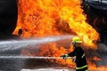 مهار آتش سوزی یک دستگاه خودروی تریلی در محور بندر امام خمینی