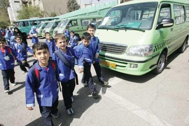 180 نفر بر عملکرد سرویس دانش آموزان تهرانی نظارت می کنند
