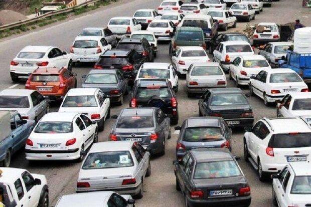 ترافیک در ورودی و خروجیهای مشهد پرحجم است