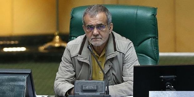 پزشکیان: استیضاح شریعتمداری با معرفی وزیر جدید صنعت، منتفی میشود