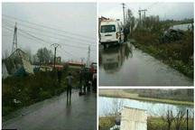 امدادرسانی آتش نشانان کلانشهر رشت به  حادثه تصادف در جاده تهران