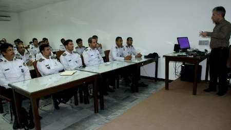 برگزاری آموزش سلاح شناسی برای نیروهای یگان حفاظت بندرشهید رجایی
