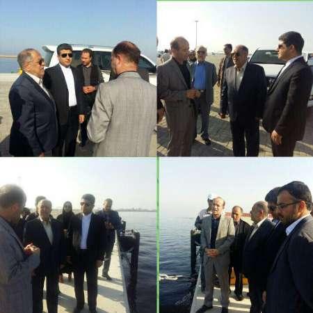 دبیرشورایعالی مناطق آزاد از طرح توسعه بندرشهید بهشتی چابهار بازدید کرد