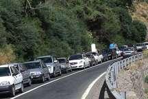 ترافیک در مسیر جنوب به شمال جاده چالوس نیمه سنگین است