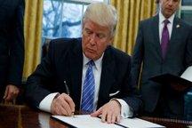 ترامپ مدعی شد: قانون مهاجرت به معنای منع ورود مسلمانان نیست