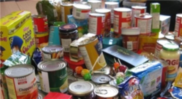 300 کیلوگرم مواد غذایی غیراستاندارد در دیواندره جمع آوری شد