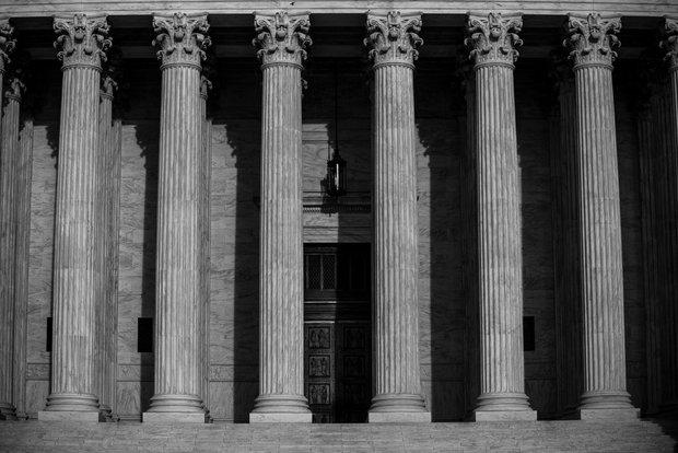 بحران جدی در مشروعیت عالی ترین مرجع قضایی آمریکا
