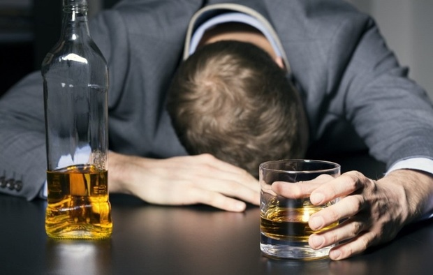 آمار مسمومیت های ناشی از مصرف مشروبات الکلی در بانه به 17 نفر رسید