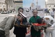 کاروان سفیران رضویون مورد استقبال زائران امام راحل قرار گرفت