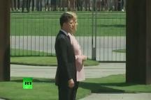 لرزش مرکل هنگام استقبال از رئیس جمهور اوکراین