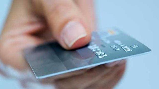 سودجویی بانکها از مردم از طریق کارتهای بانکی
