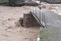 پل گویچین دره سی عجب شیر بر اثر طغیان رودخانه تخریب شد