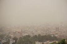 گرد و غبار دید افقی را در قصرشیرین به 400 متر کاهش داد