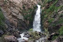 آبشارهای لاشار نیکشهر چشم اندازی هایی زیبا و بکر
