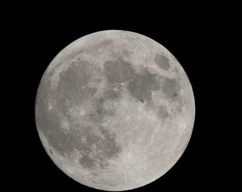 خطاب معاون ترامپ به ناسا: فضانوردان تحت هر شرایطی باید به ماه برگردند!