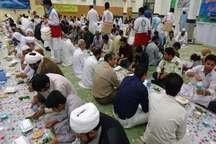 700روزه دار ایرانشهری در ضیافت افطار نهاد نمایندگی رهبری اطعام شدند
