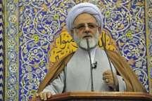 امام جمعه ایلام: جریان نفاق به دنبال تضعیف دولت و ناکارآمد نشان دادن نظام است