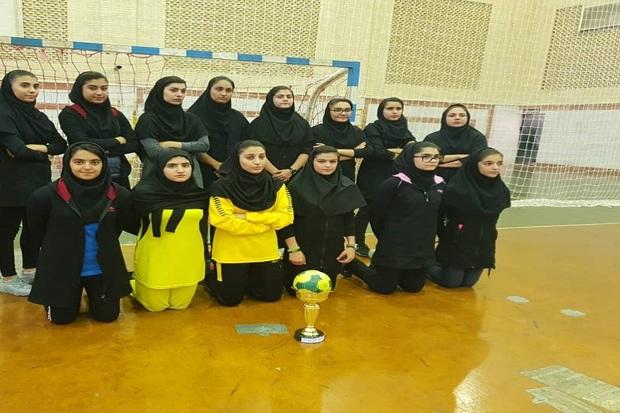 دانش آموزان گچسارانی قهرمان مسابقات هندبال منطقه 7 کشور شدند