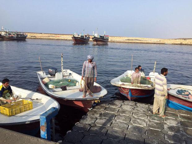 سهمیه بنزین قایقها و تاکسی تلفنیها در دست پیگیری است